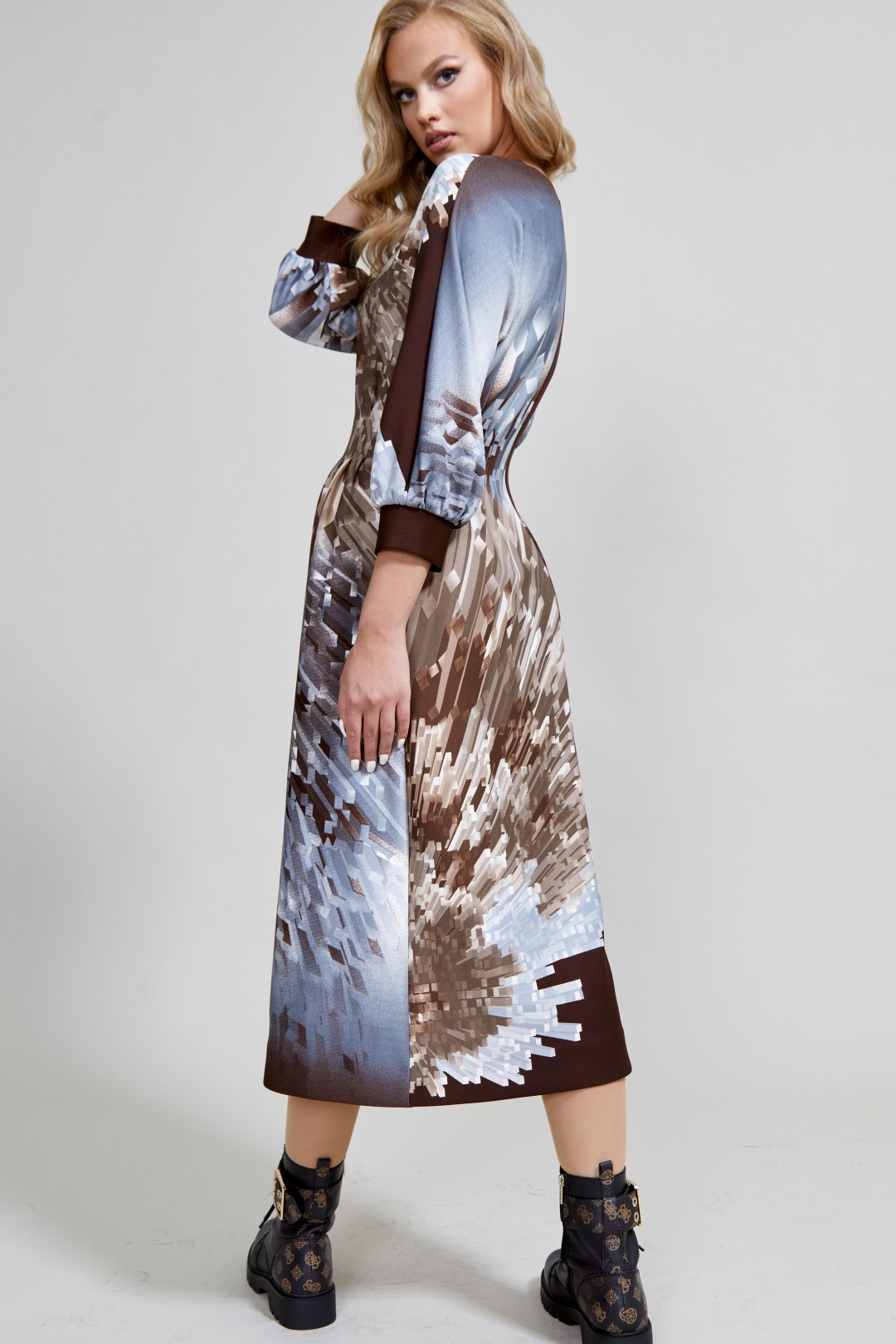 Платье ТЭФФИ-стиль 1592 молочный шоколад + кристаллы